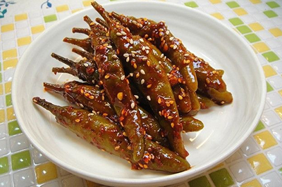 Chili Pepper Pickles (24Oz)