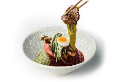 N05. Beef Bulgogi Wrap     Spicy Cold Noodle      육쌈 비빔냉면/소불고기