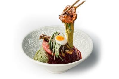 N06. Pork Bulgogi Wrap      Spicy Cold Noodle      육쌈 비빔냉면/돼지불고기