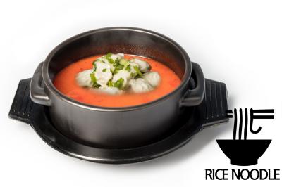 Y. Spicy Beef Bone Soup      Dumpling & Rice Noodle       만두육개장 (쌀국수)