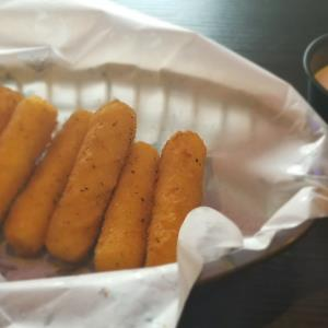 Cheese Sticks (6Pcs)