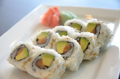 Salmon & Avo Roll