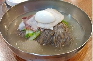 Buckwheat Noodel In Icy Beef Broth