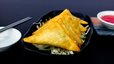 Crab Rangoons (6 Pc)