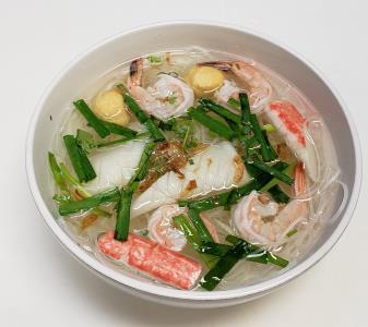 H1. Seafood Rice Noodle Soup