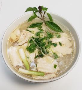 N6. White Meat Chicken Pho