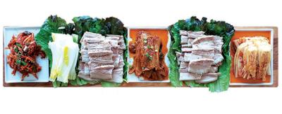 Kimchi Bossam (2) (김치찜보쌈)