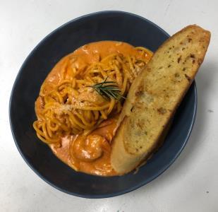 Creamy Arrabbiata Spaghetti