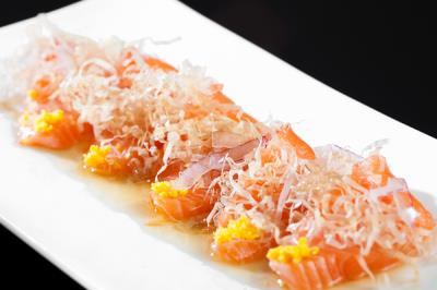 Salmon Carpaccio (D)