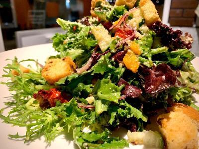 Xlanes House Salad